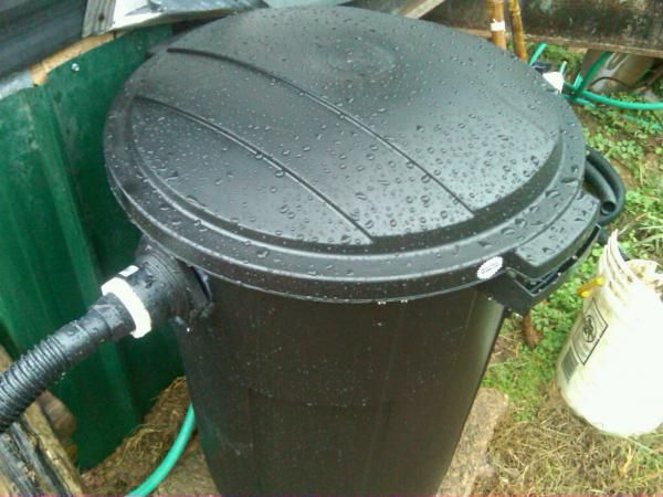 Diy filter used 37gal trash can with 200 ft polyothen for Used pond filters